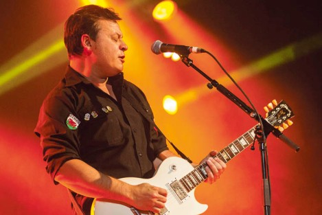 LIONS ROAR: James Dean Bradfield of Manic Street Preachers on stage at Sydney's Hordern Pavillion. Image courtesy of CLARE HAWLEY (asparay.com)