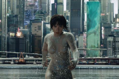 ghost in the shell review 2017 explained scarlett johansson